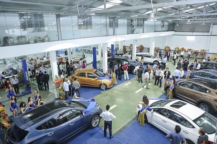 Nhu cầu mua ô tô của khách hàng đã nguội, tốc độ tiêu thụ xe của các hàng sụt giảm trong tháng 2/2019