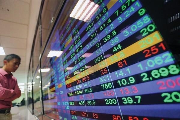 Thị trường có xu hướng tích cực trung hạn, VN-Index tăng 0,9 điểm lên 1.112,19 điểm trong ngày 4/2/2021.