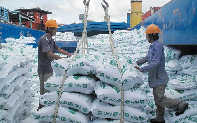 Bộ công thương đề nghị chính phủ co tiếp tục cho xuất 400000 tấn gạo