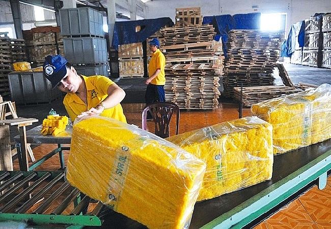 Xuất khẩu cao su sắp chạm ngưỡng 1 tỷ USD, nhờ tăng đơn hàng sang Trung Quốc.