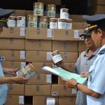 Hải quan TP.HCM đang kiểm tra việc nhập sữa
