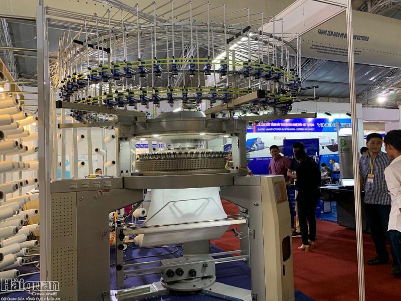 Hội nhập phát triển nhiều công nghệ hiện đại được các DN Trung Quốc giới thiệu tại Việt Nam- Máy dệt tự động
