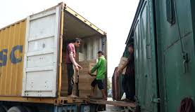 Vận chuyển hàng hóa đường dài của công ty vận tải Khánh Hà
